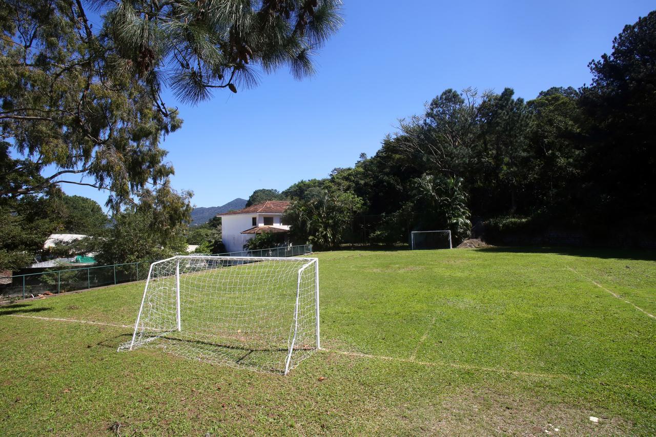 Hotel Praia Mole Eco Village - campo de futebol