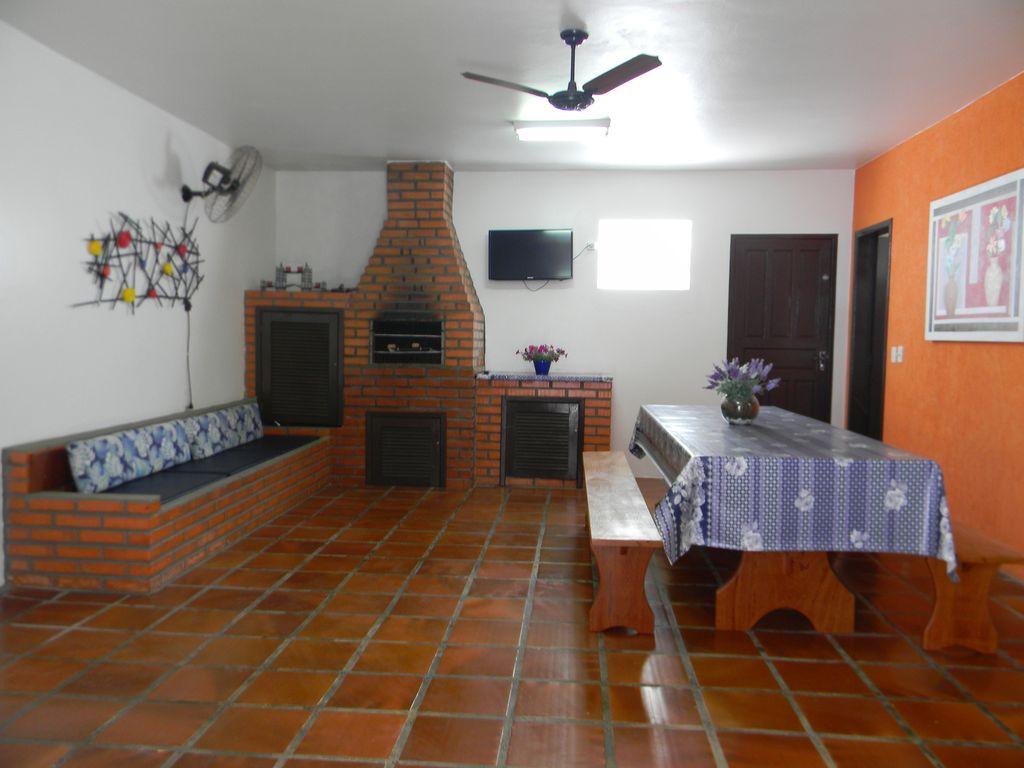 Casa confortável e ampla, à 100 metros da praia