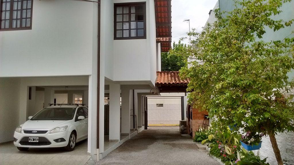 Apartamentos de temporada na Cachoeira do Bom Jesus Florianópolis